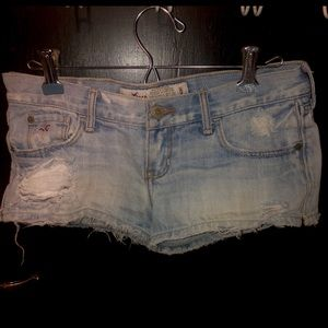 Hollister distressed booty shorts
